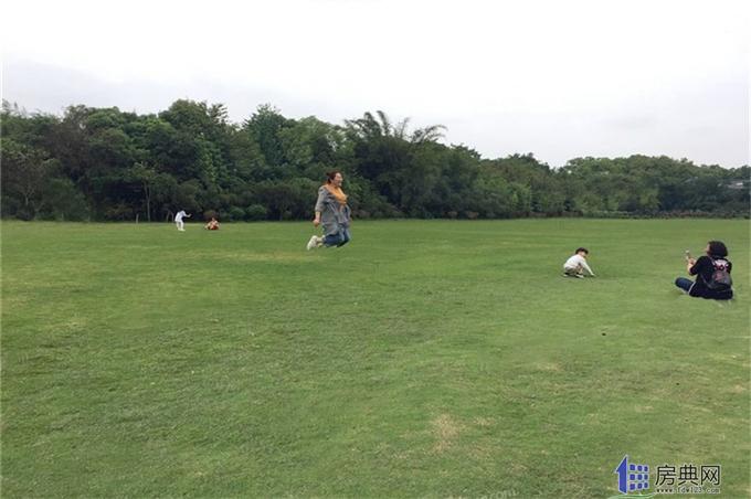 http://yuefangwangimg.oss-cn-hangzhou.aliyuncs.com/SubPublic/Upload/UploadFile/image/2018/10/19/Max_201810191611139944.jpg